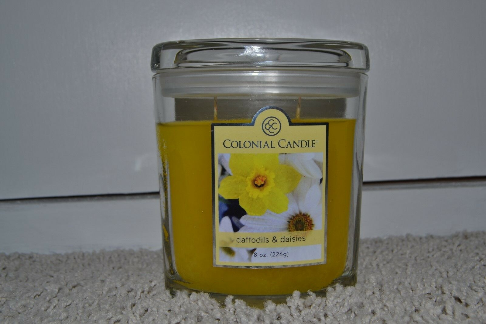 RARE New Colonial At Home - Daffodils & Daisies Candle - Yel