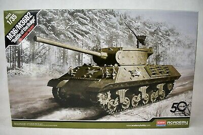Academy M36 M36B2 'Battle of the Bulge' 1:35 Scale Model Kit 13501...