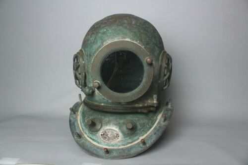 Rare Japanese authentic Diving helmet by TOA company. 1940-1960s GG33