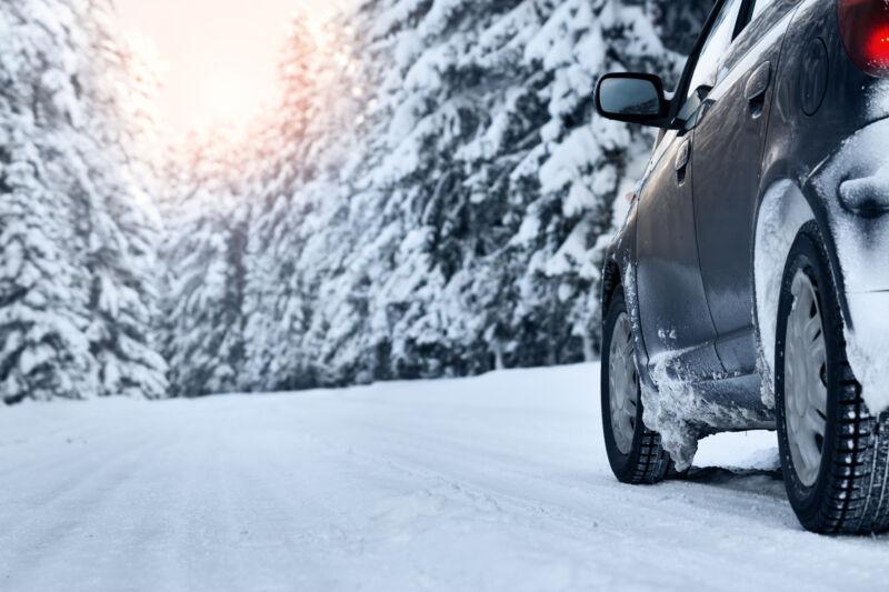 Die kalten Temperaturen bergen einige Gefahren für Autofahrer. (© Thinkstock via The Digitale)