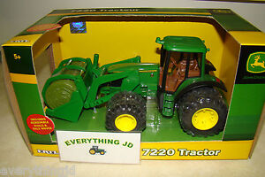 John Deere 7220 Tractor with Bale Mover - TBE15813