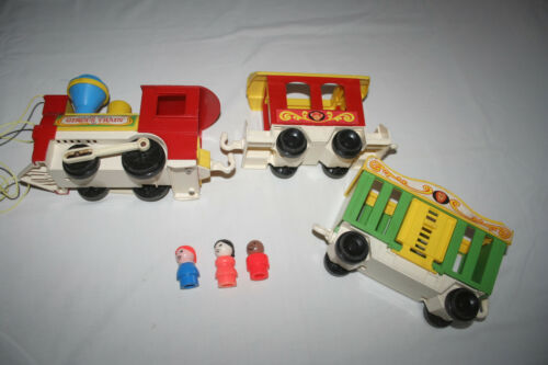 Fisher Price 991 Circus Train 3 cars and some little people