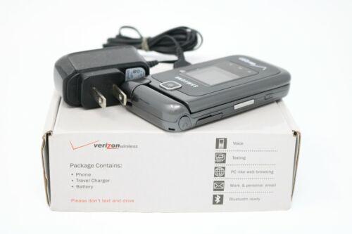 Vintage Samsung Verizon Pre-paid Flip Phone w/ Charger