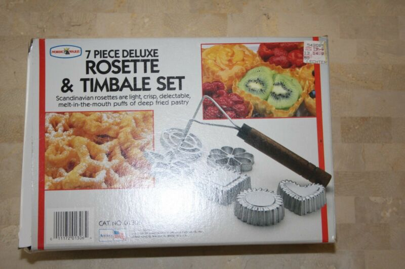 NORDIC WARE 7pc Deluxe Rosette & Timbale Set