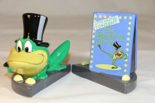 Looney Tunes Warner Bros Salt & Pepper shakers Michigan J. Frog NIB 1999