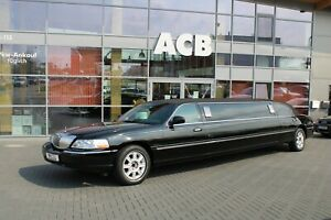 Lincoln Town Car (Ford) Stretch Limousine 32TKM