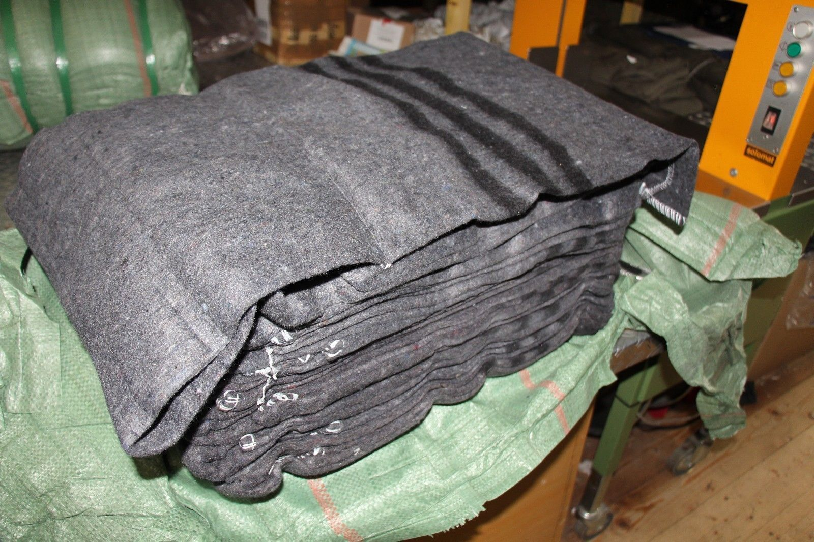 Wolldecke dunkelgrau 200 x 150cm mit Randkettelung Decke Pferdedecke NEU!