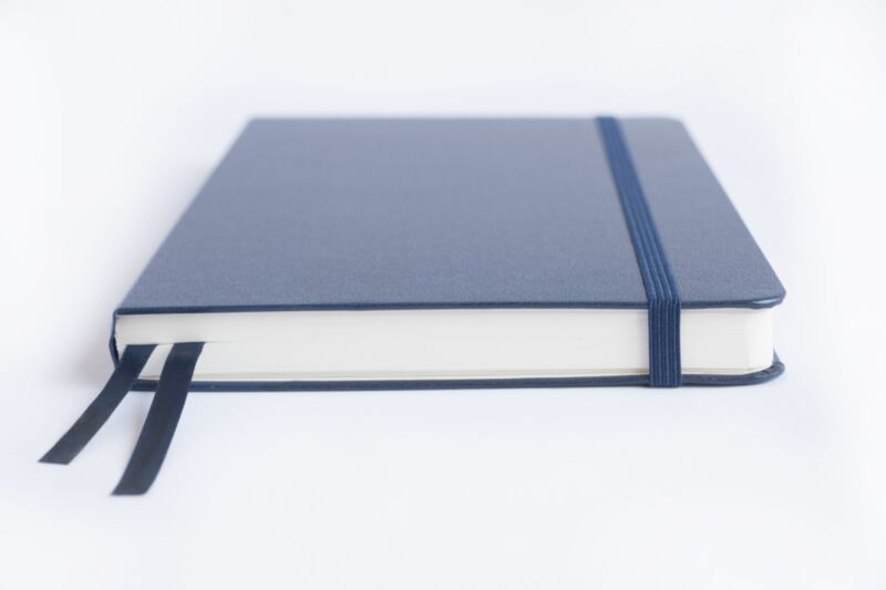 Bullet Journal - A5 Dot Grid Hard Cover Notebook, Thick Paper, 220 pages - blue