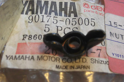<em>YAMAHA</em> XS500   XV250 VIRAGO  GENUINE NOS AIR BOX LID WING NUT    9017