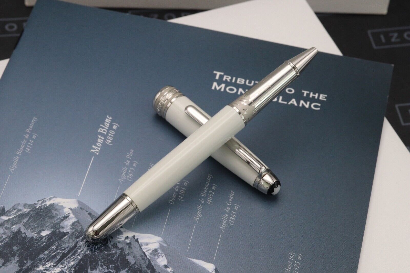Montblanc Meisterstuck 163 Classique Tribute White Solitaire Rollerball Pen 1