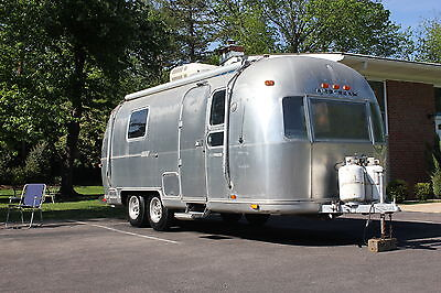 1974 airstream land yacht safari 23ft travel trailer all original great deal used airstream. Black Bedroom Furniture Sets. Home Design Ideas