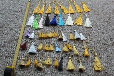 50 ASSORTED ALL SIZES & COLOURS KEY TASSELS GREAT FOR SLOPES JEWELLERY BOXES ETC