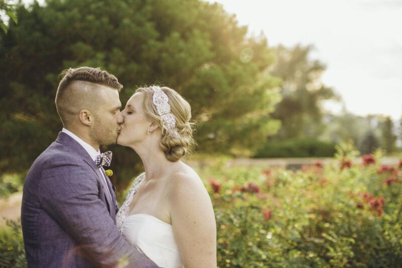 Romantisch und in natürlicher Idylle – sieht eine Boho-Hochzeit aus. (Bild: Ryan Polei |CC BY-SA)