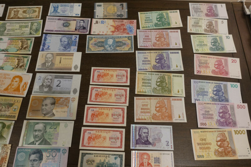 Banknote Collection - Various mostly UNC