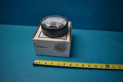 Used Dwyer Magnehelic Pressure Gage Cat No 2015