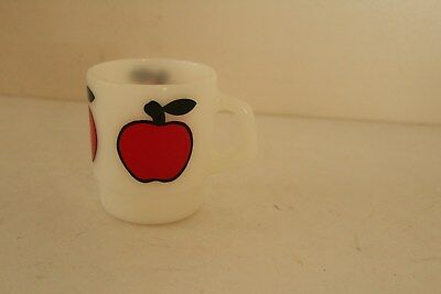 ANCHOR HOCKING FIRE KING D HANDLE BIG APPLE LOGO MILK GLASS COFFEE MUG
