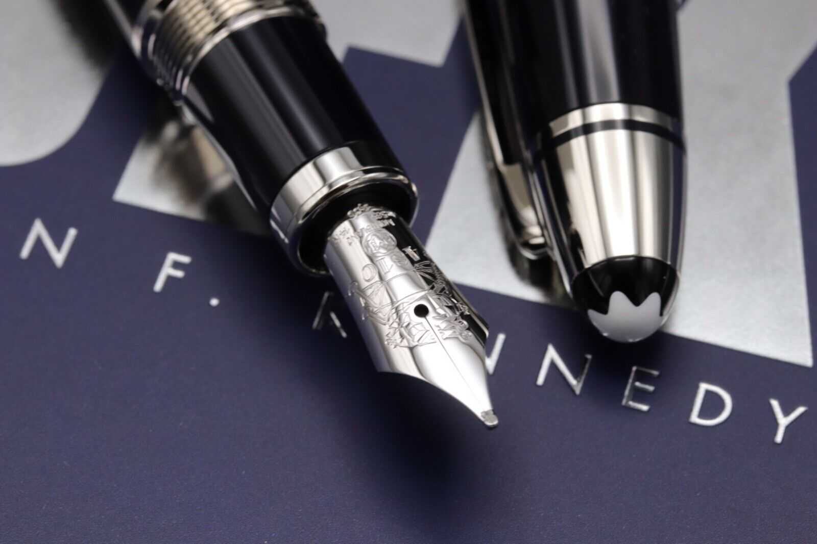 Montblanc Great Characters JFK Blue Special Edition Fountain Pen - UNUSED 3