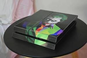 Joker Themed PS4, 2x Dualshock 4 Controllers