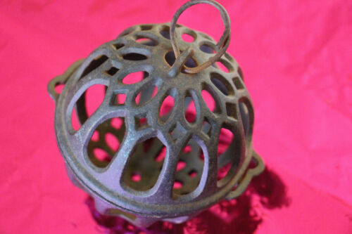 Vintage General Store/Mercantile Cast Iron String Holder/Round Decorative Ball
