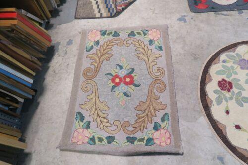Vintage Primitive American Hand Made Hooked Rug Wool on Burlap - 2