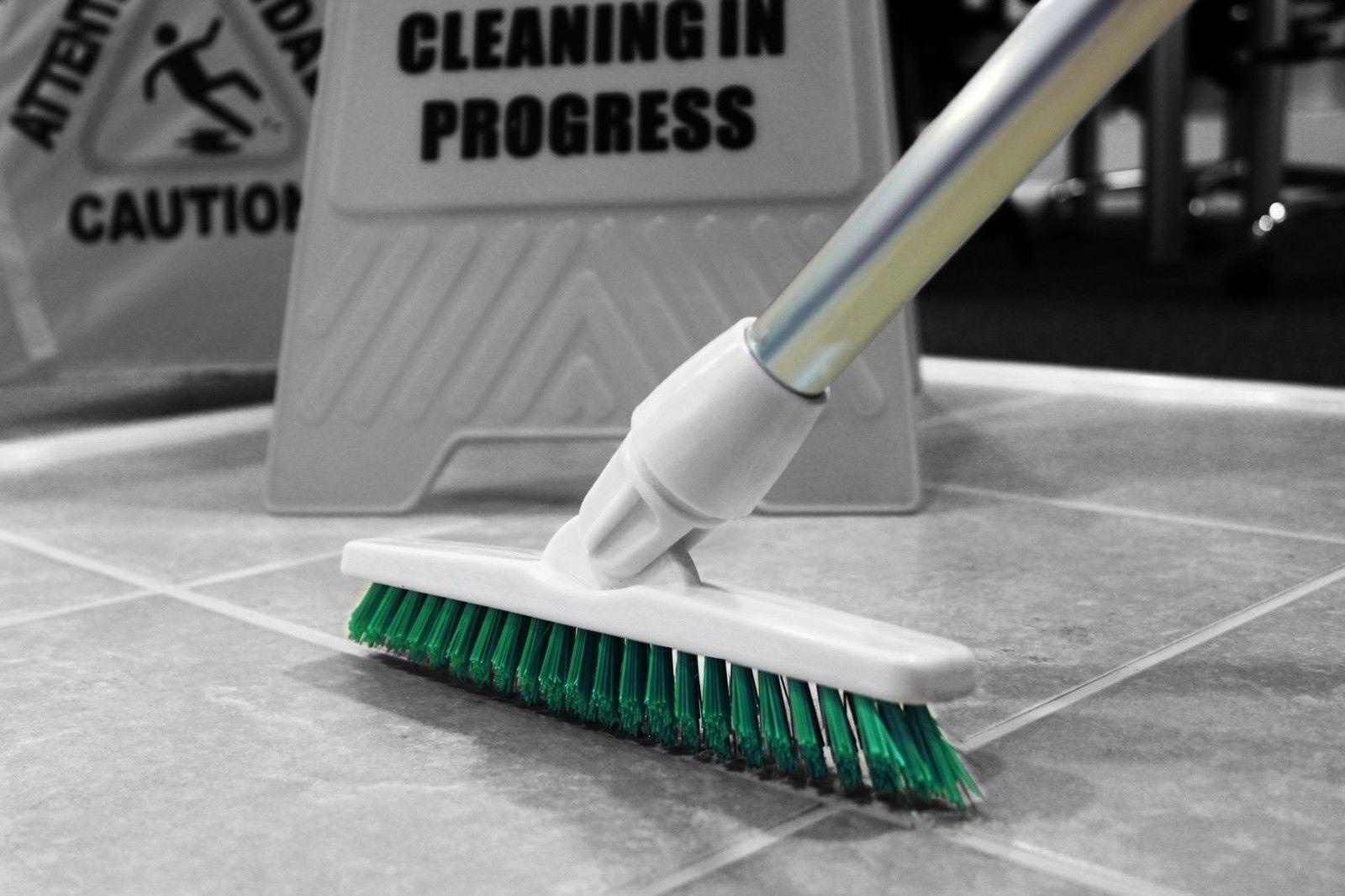 Deck Scrub /& Handle in 4 Hygiene Colours