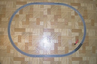 "(106)  N SCALE 23"" X 33"" OVAL EZ TRACK SETUP NEW, NICKEL SILVER RAILS,GRAY BED."