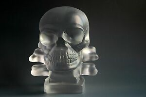 BOHEMIAN-ART-DECO-GLASS-CAR-MASCOT-034-SKULL-034