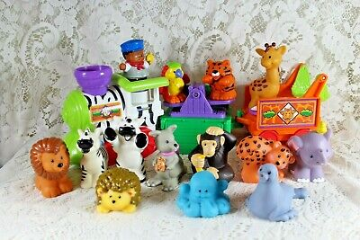 FISHER PRICE LITTLE PEOPLE MUSICAL ZOO TRAIN w/ additional Zoo Animals