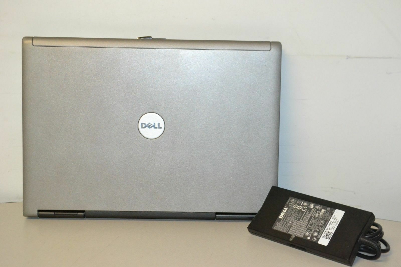 Laptop Windows - Dell Latitude D630 Laptop Windows XP Professional Dual Core 2Ghz 3GB 160GB WIFI