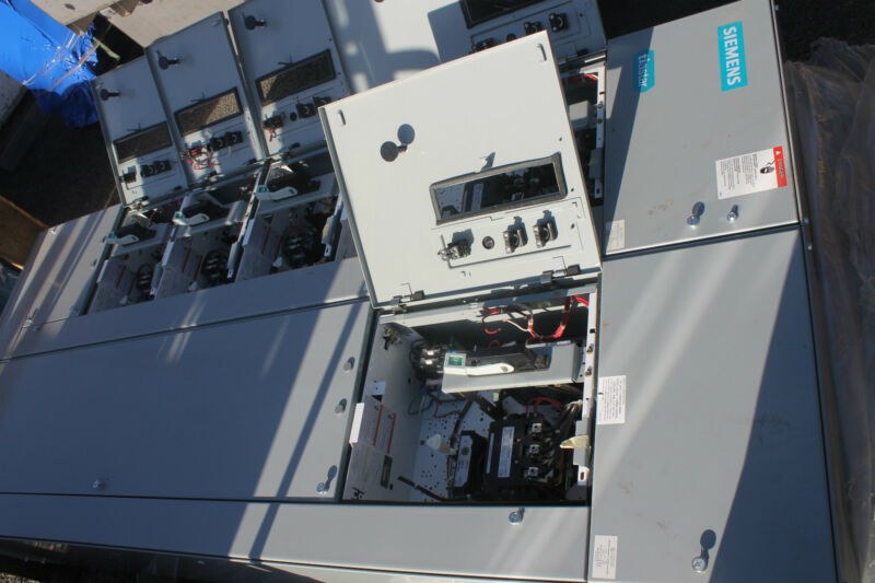 NEW SIEMENS TIASTAR BREAKER MOTOR CONTROL PANEL LOADED WITH BREAKERS STARTERS