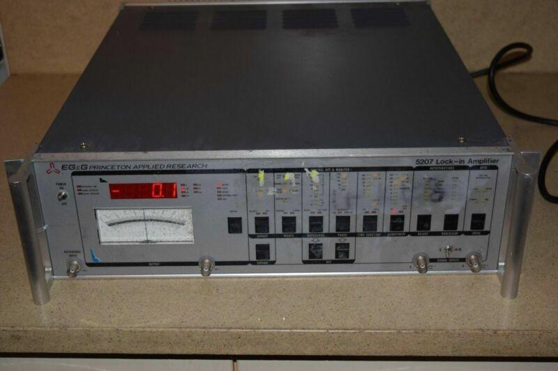 EG&G 5207 LOCK-IN AMPLIFIER