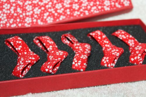 Red bow hashioki set of 5 in box Chopstix rests