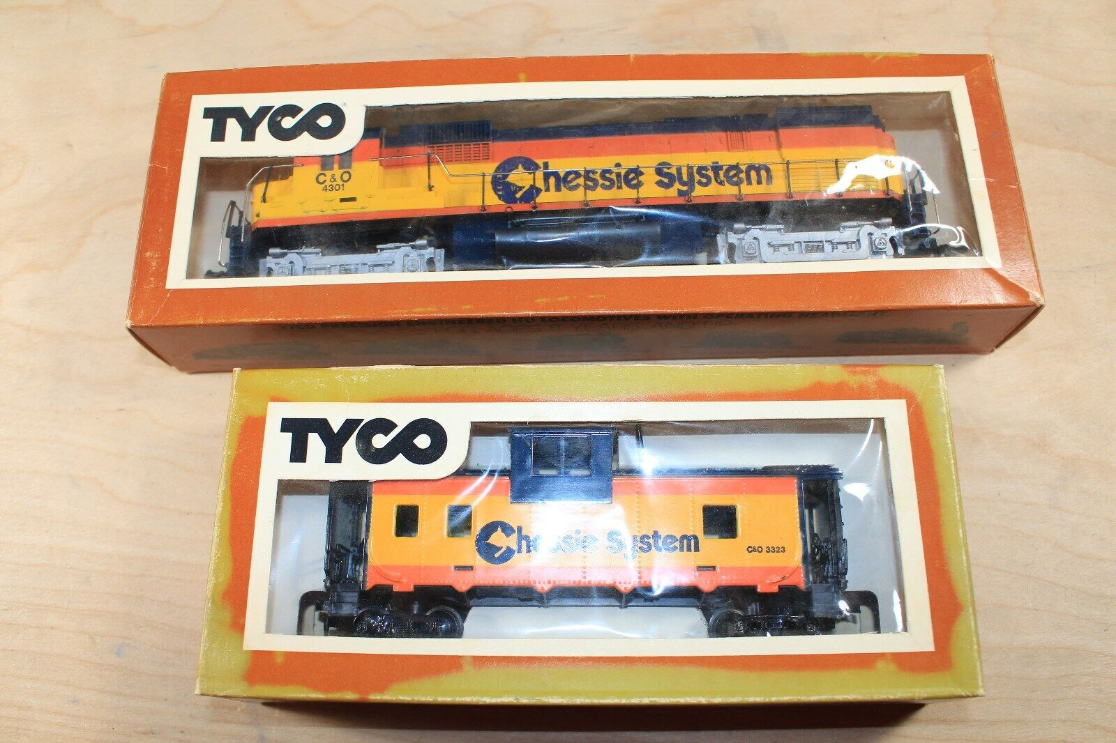 TYCO Vintage HO Scale Diesel Alco Century 430 Chessie System Caboose - $25.00