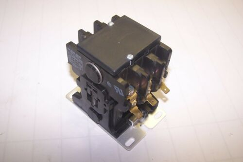 NEW GOULD 30 AMP 15 HP 600V 480V COIL CONTACTOR 2200 EB230KA55