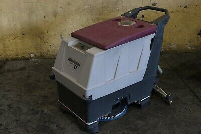 20 Minuteman Electric Floor Scrubber Yoder 73445