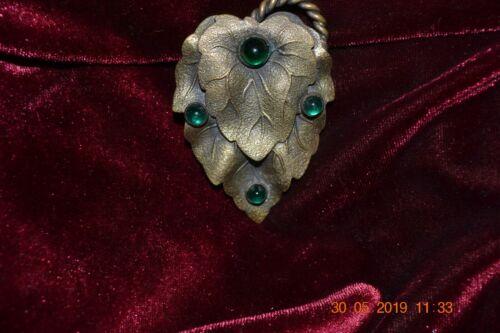 Victorian Leaf-Motif w/green glass stones Dress Clip