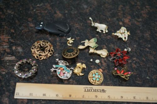 Lot of Brooches - for crafting or repair