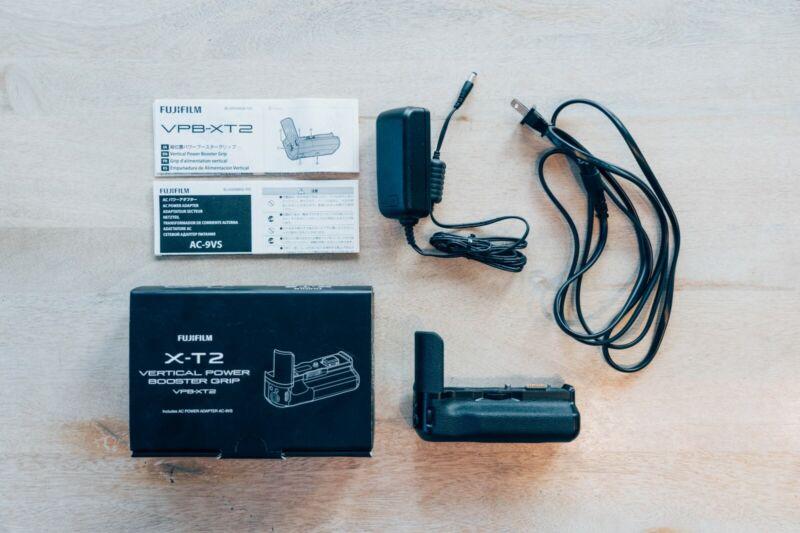 FUJIFILM VPB-XT2 Vertical Power Booster Grip for X-T2 Digital Camera
