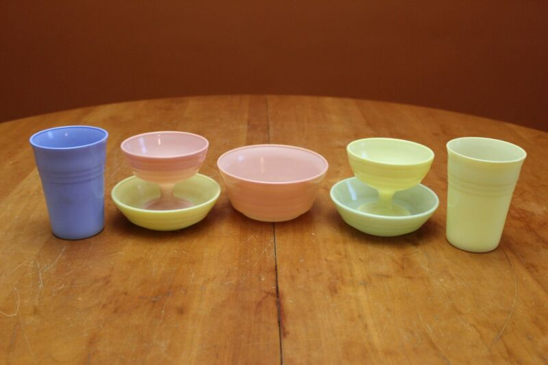 Hazel Atlas Moderntone Pastel Champagne Cups, Tumblers and Cereal & Fruit Bowls