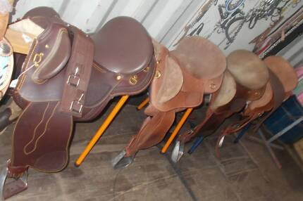 4 FENDERS NEW AND USED 14/15/16/17/ HORSELINE AND JAMES SADDLERY North Maclean Logan Area Preview