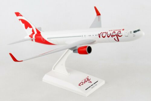 "SKYMARKS (SKR898) AIR CANADA ""ROUGE"" 767-300 1:200 SCALE PLASTIC SNAPFIT MODEL"