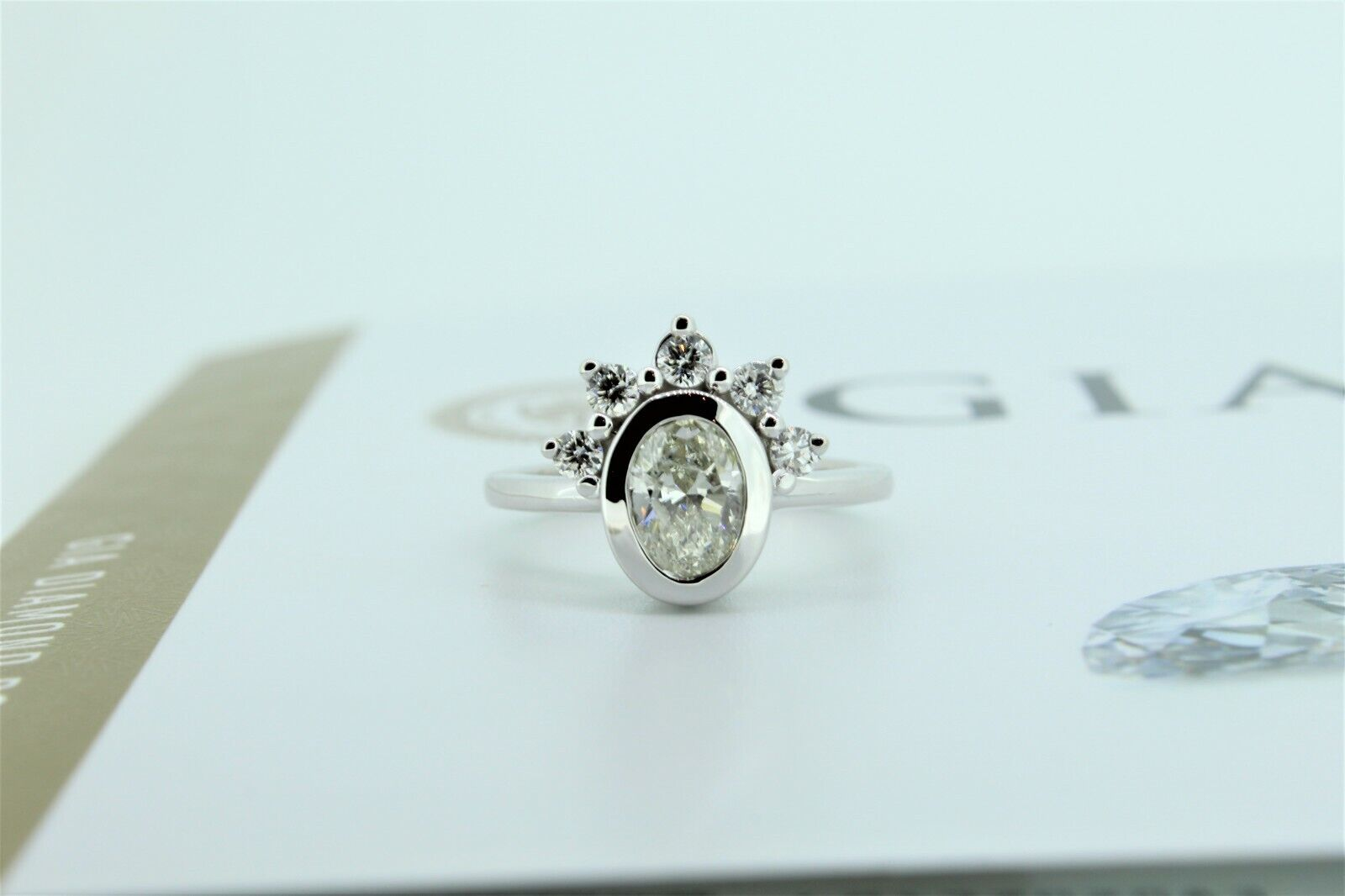 14KT White Gold GIA Certified 1.30ctw Oval Diamond Bezel Crown Ring Sizeable-NEW