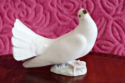 Vintage 'Lladro' Porcelain Pigeon Figurine