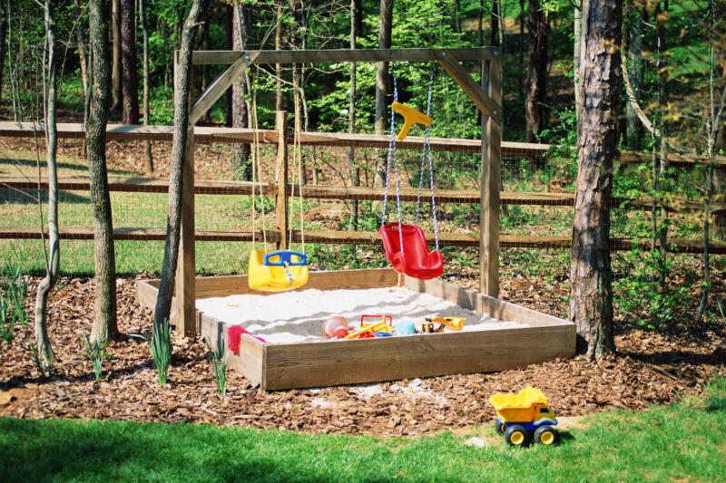 Spielspaß im Garten (Foto: Stockbyte/Thinkstock)