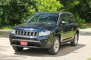 2011 Jeep Compass Sport/North | 4x4 |  Sunroof | CERTIFIED