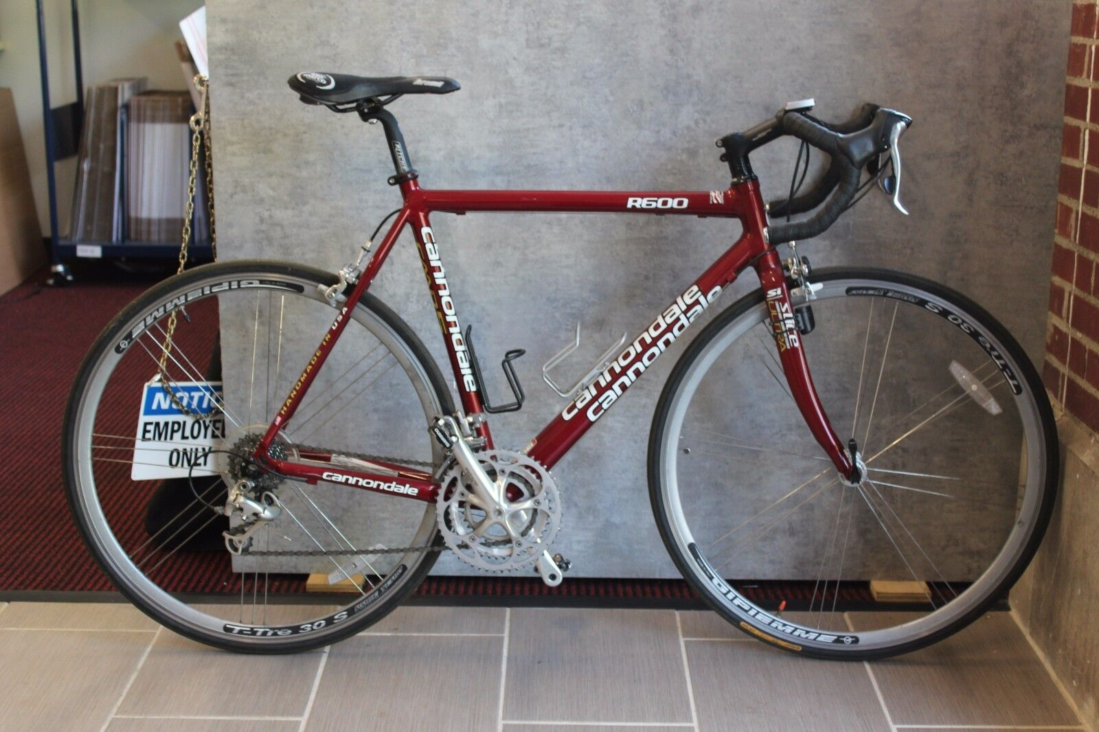 2004 Cannondale R600 105/ Ultegra Road Bike 54cm
