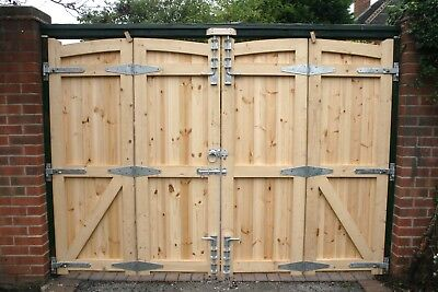 Treated Redwood Bi-Fold Arched Top Driveway / Estate Gates