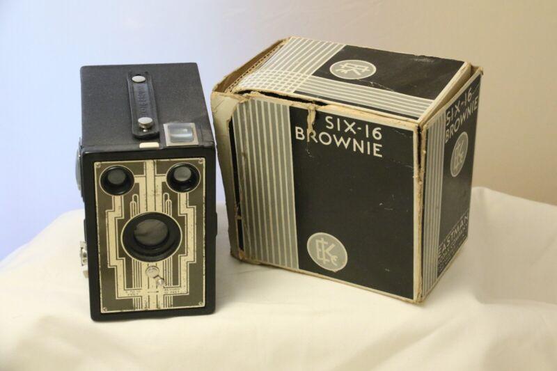KODAK Vintage Six-16 Brownie Art Deco Designs/ original Box