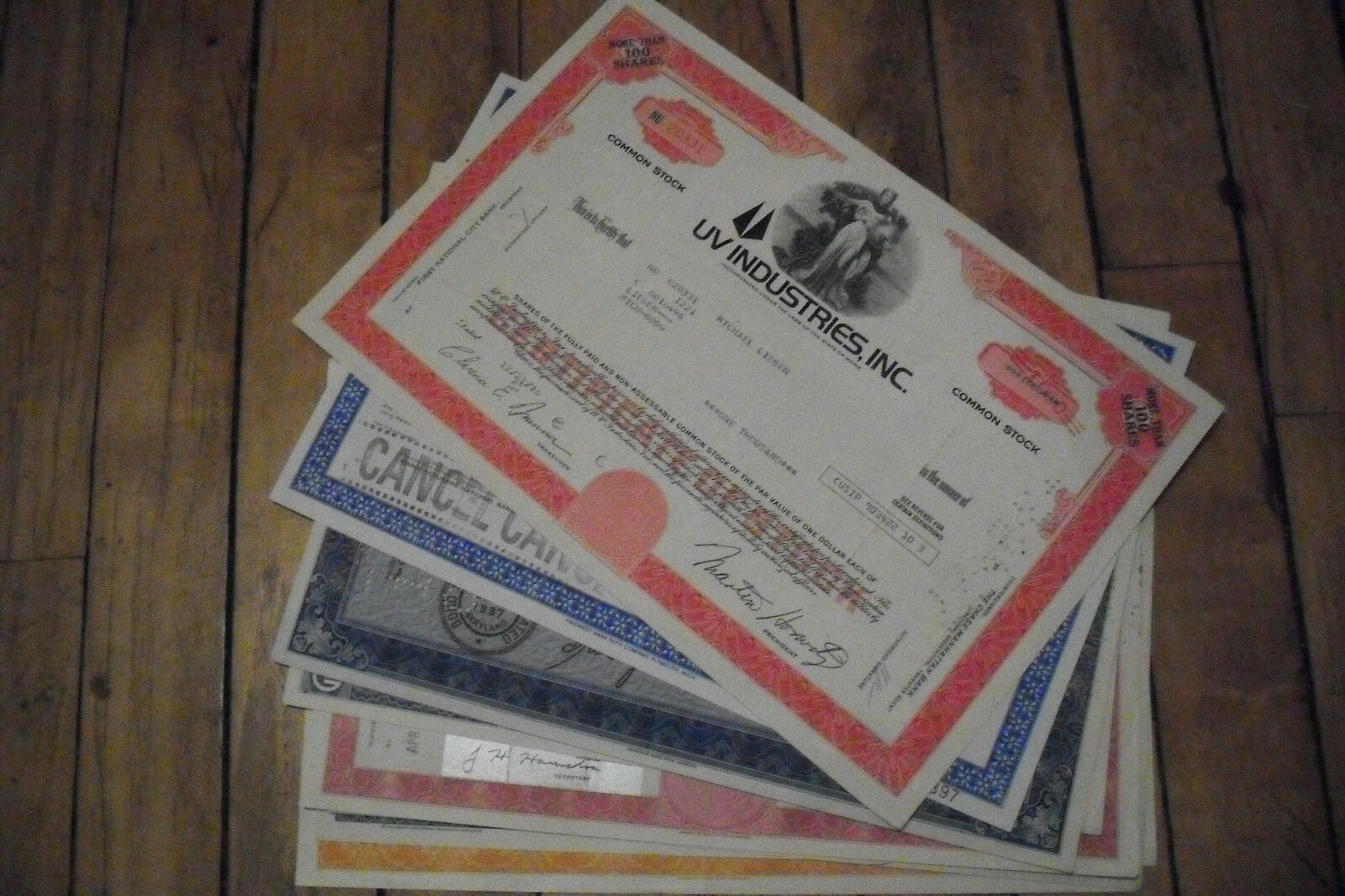 10 diff. United States old paper stocks & bonds certificates  used and unused