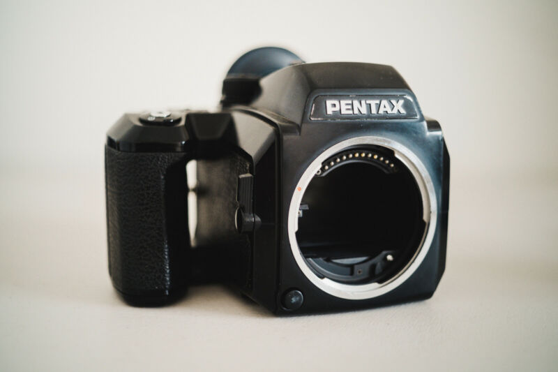 Pentax 645N Medium Format SLR Film Camera Body w/ 120 Filmback - US Seller